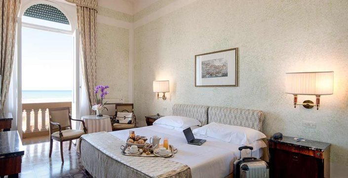 Seaview room with balcony - Grand Hotel Royal Viareggio 4 star