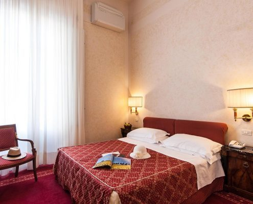 Camera Small Grand Hotel Royal Viareggio 4 stelle